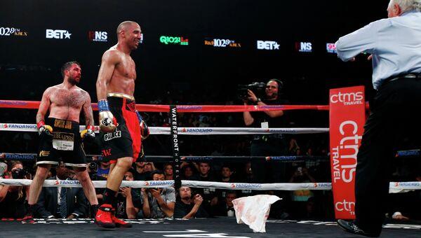 Чемпион мира по версии WBA боксер Уорд победил Пола Смита