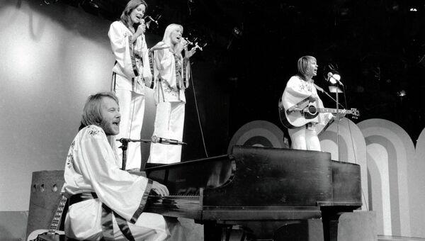 Шведская поп-группа ABBA. Выступление 1976 года