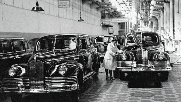 Конвейер легковых автомобилей ЗИС-110