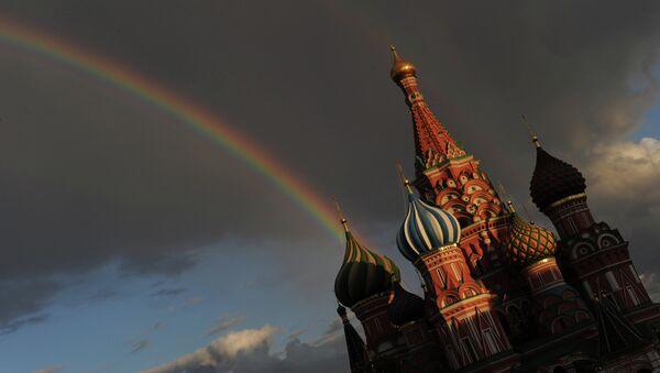 Радуга над Собором Василия Блаженного на Красной площади