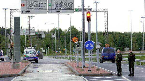 Финские пограничники на российско-финской границе. Архивное фото