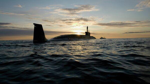 Атомная подводная лодка (АПЛ) Юрий Долгорукий во время ходовых испытаний. Архивное фото