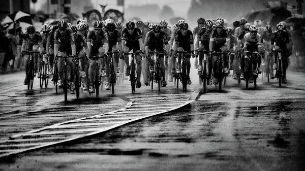 Участники велогонки Тур де Франс. Архивное фото
