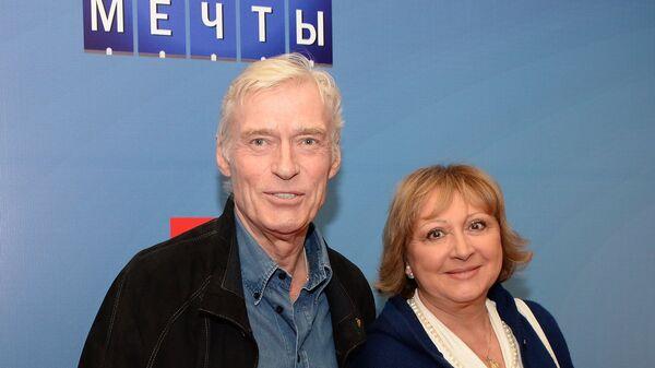 Актер Борис Щербаков с супругой. Архивное фото