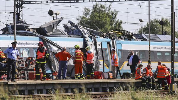 ДТП с участием пассажирского поезда и грузового автомобиля на северо-востоке Чехии