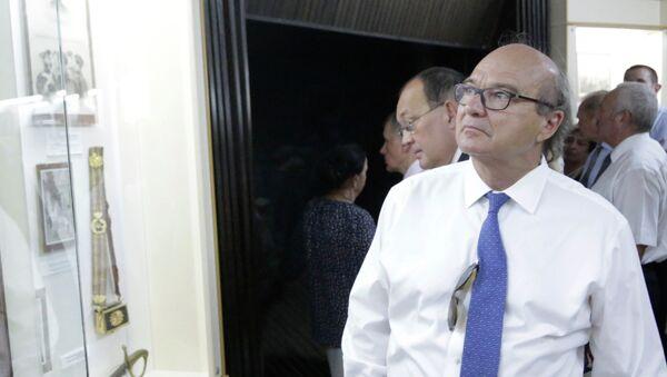 Сенатор, член делегации французских парламентариев Ив Поццо ди Борго