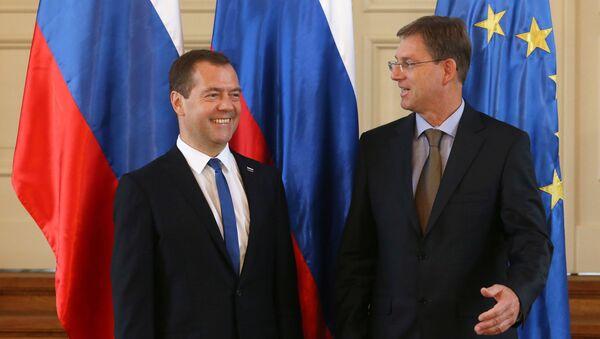 Председатель правительства РФ Дмитрий Медведев и председатель правительства Словении Мирослав Церар