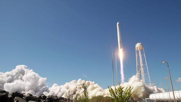 Старт американской ракеты-носителя Antares