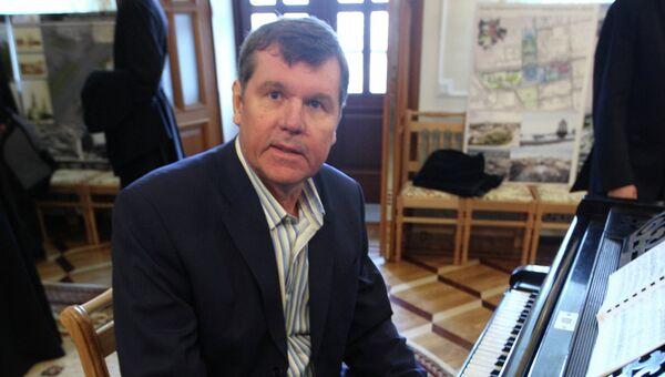 Певец Александр Новиков. Архивное фото