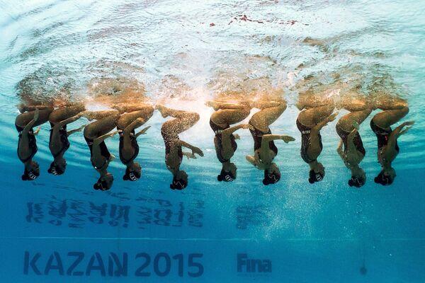 Спортсменки сборной Бразилии выступают на чемпионате мира FINA 2015