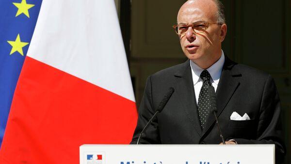 Пресс-конференция главы МВД Франции Бернара Казнева в Париже, 22 августа 2015 года
