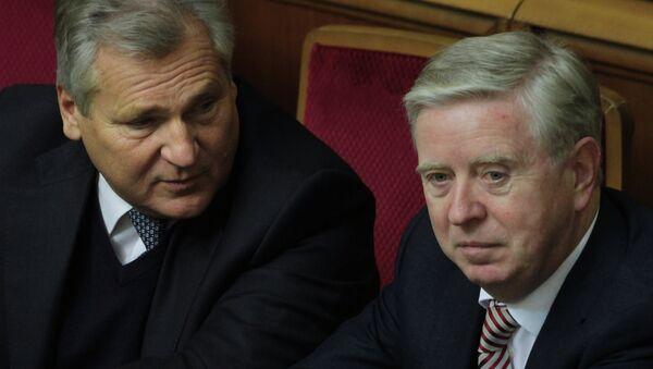 Представители Европейского парламента Пэт Кокс и Александр Квасьневский на заседании Верховной Рады