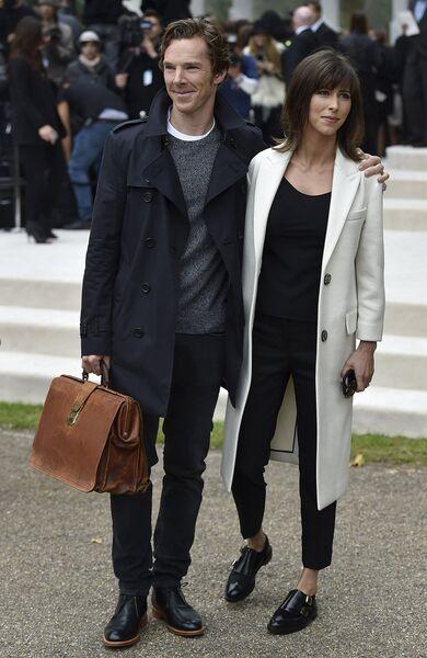 Британский актер Бенедикт Камбербэтч с супругой Софи Хантер на Неделе моды в Лондоне