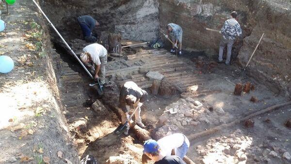 Археологи проводят раскопки. Архивное фото
