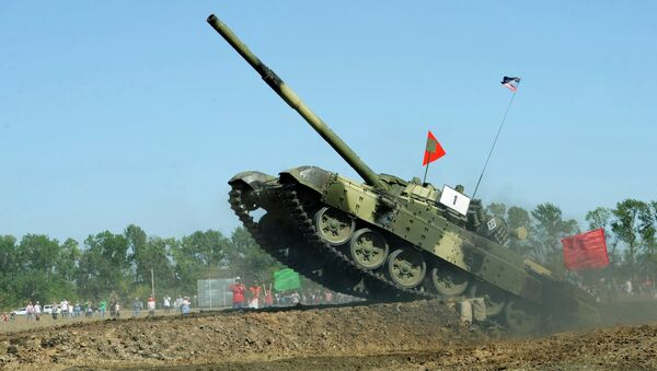 Один из участников во время соревнований танковых подразделений ополчения ДНР. Архивное фото