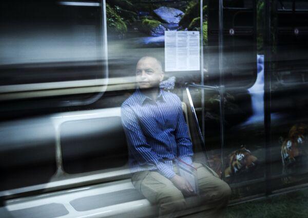 Презентация поезда Полосатый экспресс в метро