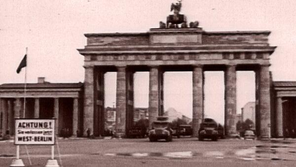 Снова вместе: падение Берлинской стены и воссоединение Германии. Архив