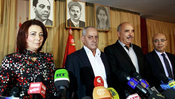 Представители политической организации Квартета национального диалога в Тунисе