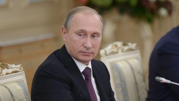 Президент России Владимир Путин во время российско-казахстанских переговоров в Астане