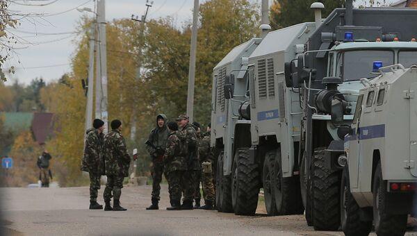 Полиция оцепила деревню Тимошкино , где может скрываться Амиран Георгадзе