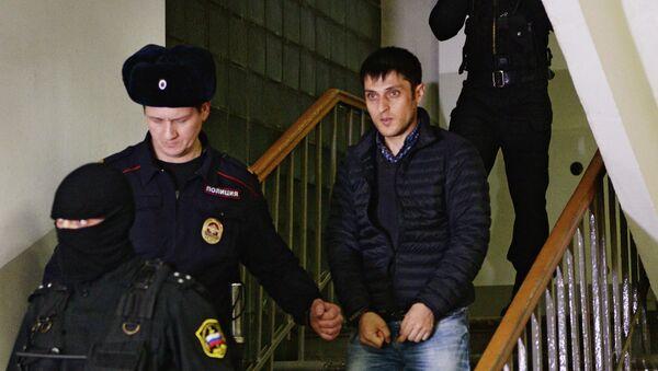 Один из подозреваемых в причастности к запрещенной в Российской Федерации террористической организации Хизб ут-Тахрир аль-Ислами в Мещанском суде Москвы