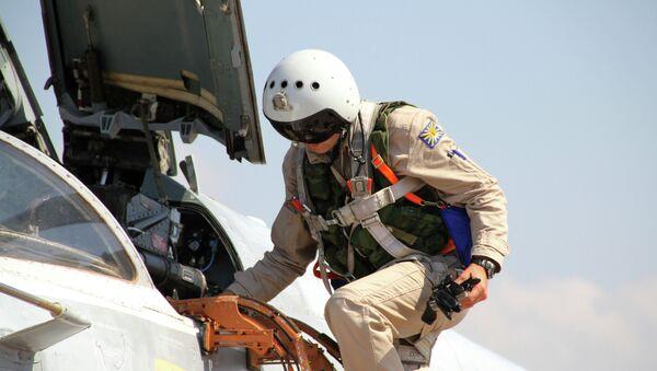 Российский летчик на авиабазе Хмеймим в Сирии, архивное фото