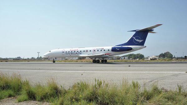 Самолет Сирийских авиалиний в аэропорту Латакии, Сирия
