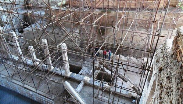 Раскопки в Помпеях