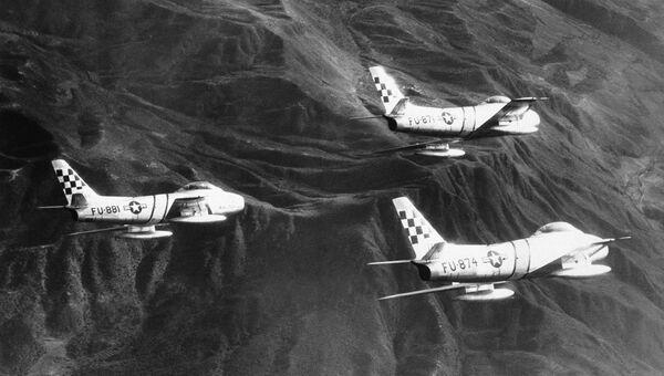 Американские истребители F-86 Сейбр в небе Северной Кореи, 1952 год