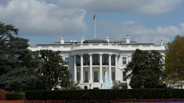Официальная резиденция президента США - Белый дом в Вашингтоне