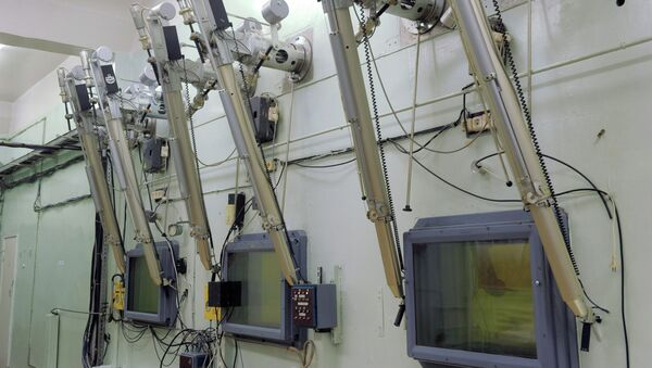 """Горячие камеры для испытания и исследования топлива для атомных электростанций на ОАО """"Государственный научный центр – НИИАР. Архивное фото"""