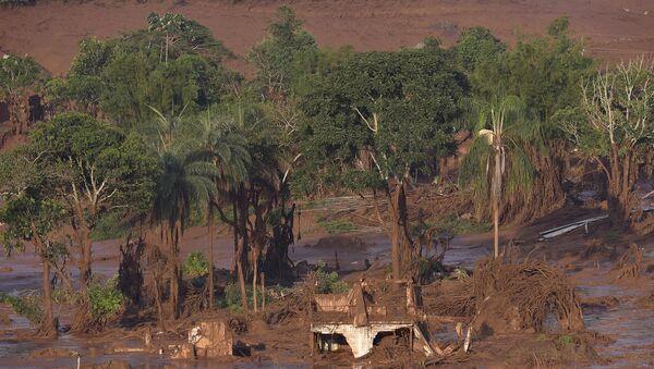 Обрушение дамбы в Бразилии. Архивное фото