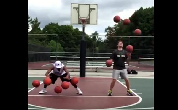 Десять мячей