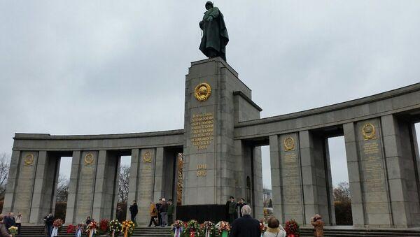 Советский мемориал в Тиргартене в Берлине. Архивное фото