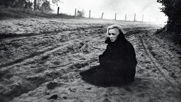 Вия Артмане в фильме «Никто не хотел умирать»