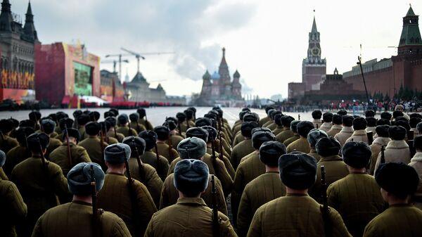 Торжественный марш, посвященный параду 7 ноября 1941 года