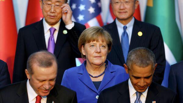 Президент Турции Реджеп Тайип Эрдоган, канцлер Германии Ангела Меркель и президент США Барак Обама во время саммита G20 в Турции. Архивное фото