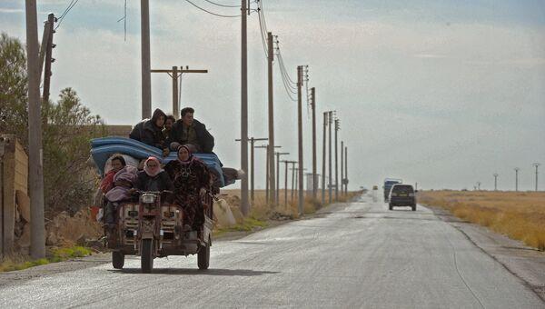 Дорога в пригороде сирийского города Алеппо. Архивное фото