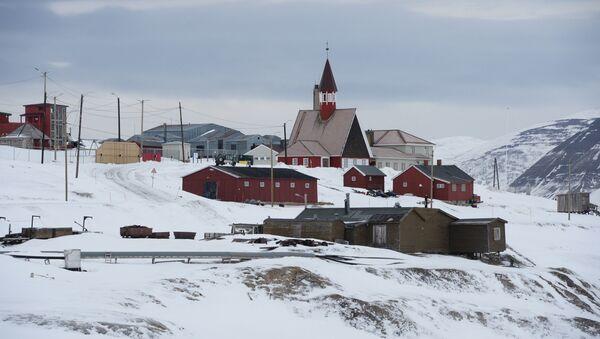 Административный центр архипелага Шпицберген город Лонгйирбюен, архивное фото