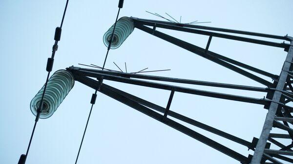 Обесточенные высоковольтные линии электропередачи. Архивное фото