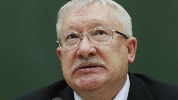 Член международного комитета Совфеда Олег Морозов