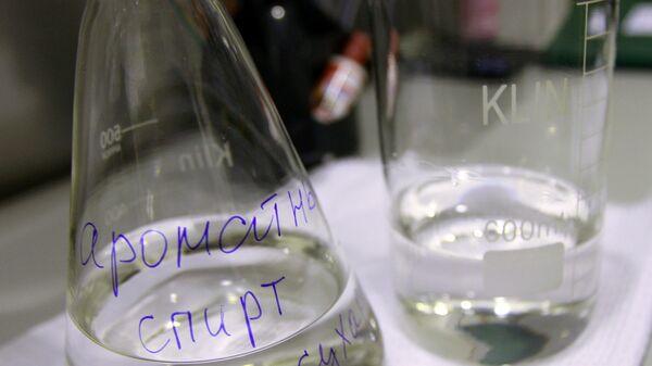 Участок ароматных спиртов и настоек на ликероводочном заводе. Архивное фото