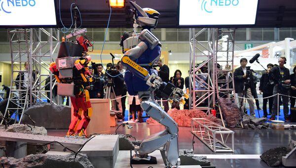 Роботы на выставке International Robot Exhibition в Токио