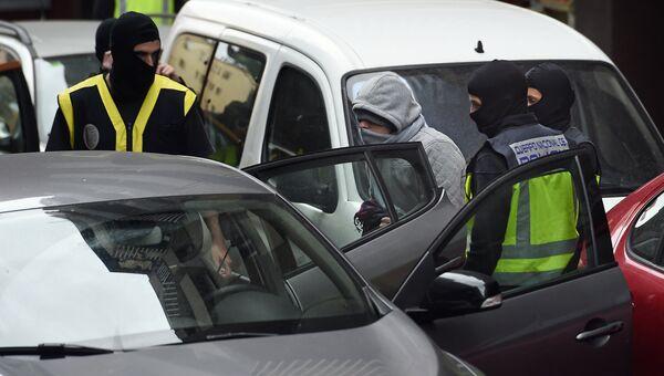 Испанская полиция задержала мужчин, подозреваемых в том, что они состояли в террористической группировке ДАИШ