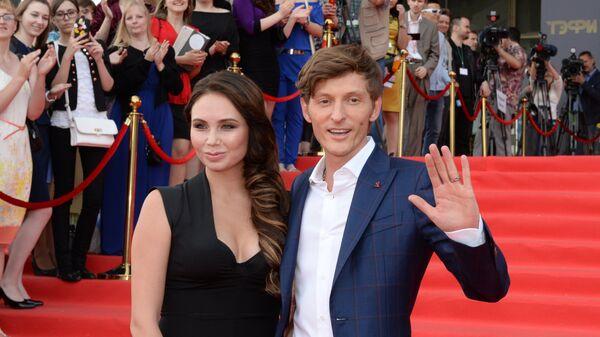 Телеведущий Павел Воля с супругой Ляйсан Утяшевой