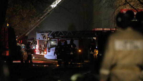 Пожар на территории Тушинского машиностроительного завода в Москве