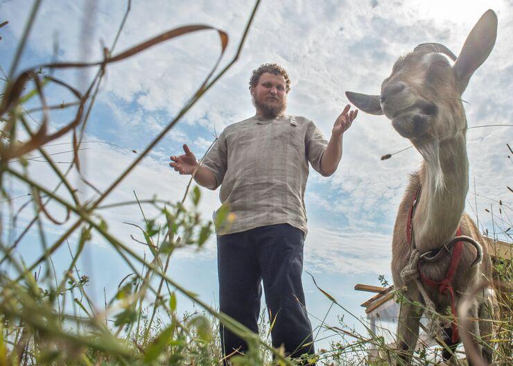 Фермер Олег Сирота открывает свою собственную сыроварню в деревне Дубровское Московской области