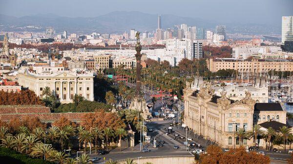 Центр города и памятник Христофору Колумбу в Барселоне