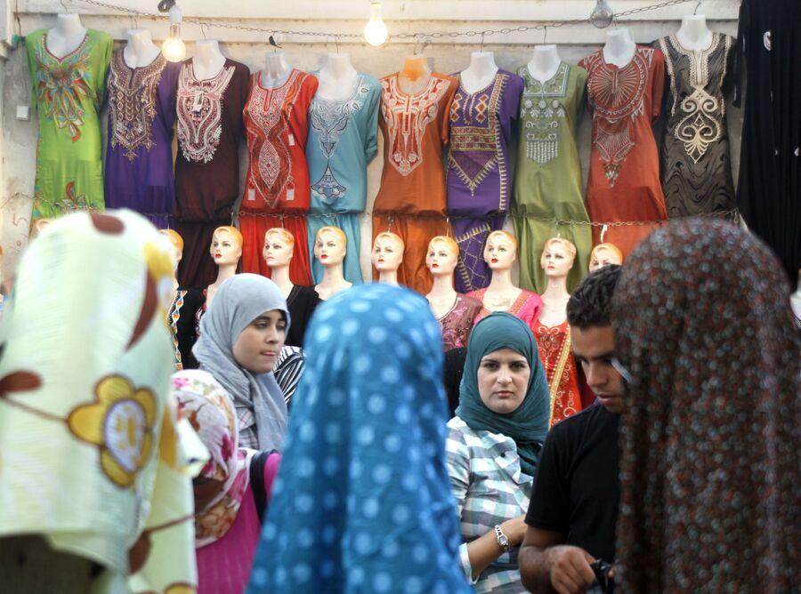 Ливийские женщины на рынке в Триполи