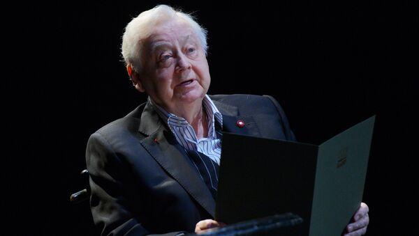 Олег Табаков читает произведение писателя А.П. Чехова на сцене МХТ